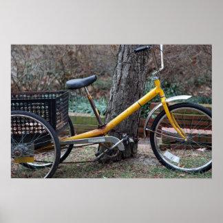 bici amarilla poster
