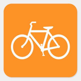 Bici blanca y anaranjada pegatina cuadrada