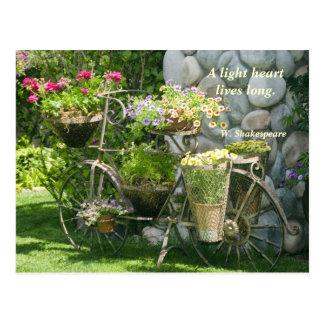 Bici con las flores postales