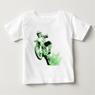 Bici de la suciedad que rueda en el fango (verde) remera