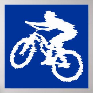 Bici de montaña azul y blanca póster