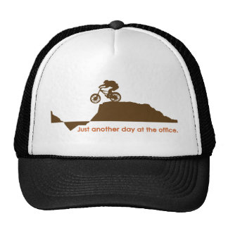 Bici de montaña - oficina gorros bordados