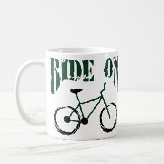 Bici de montaña taza clásica