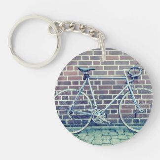 bici del camino llavero redondo acrílico a una cara