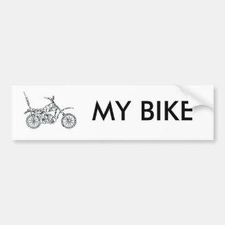 Bici del motor, hecha de caras pegatina para auto