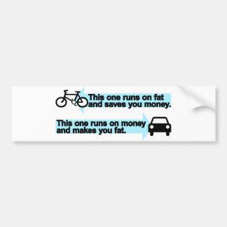 Bici divertida contra el coche etiqueta de parachoque