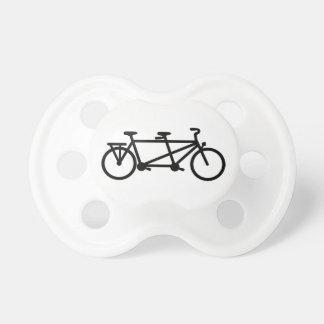 Bici en tándem de la bicicleta chupete