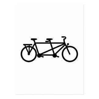 Bici en tándem de la bicicleta tarjeta postal