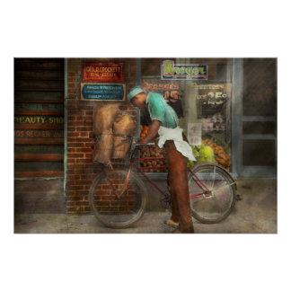 Bici - entrega de los ultramarinos 1938 perfect poster