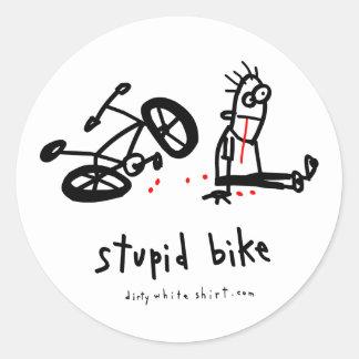 Bici estúpida pegatina redonda
