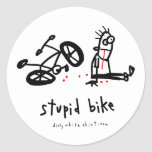 Bici estúpida pegatinas redondas