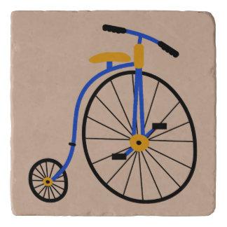 Bici pasada de moda de la novedad salvamanteles