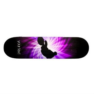 Bici púrpura fresca de la suciedad monopatin