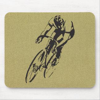 Bici que compite con el velódromo alfombrillas de ratón