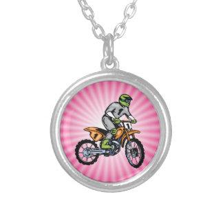 Bici rosada de la suciedad colgante redondo