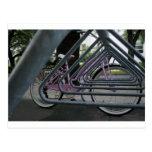 bici rosada tarjeta postal