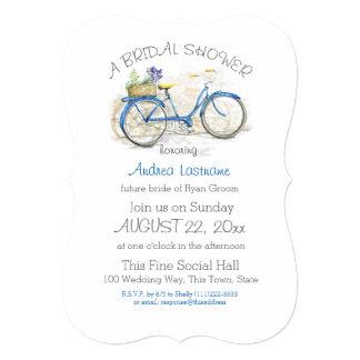 """Bicicleta azul con la ducha nupcial de la cesta de invitación 5"""" x 7"""""""