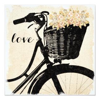 """Bicicleta caprichosa con las flores que casan invitación 5.25"""" x 5.25"""""""