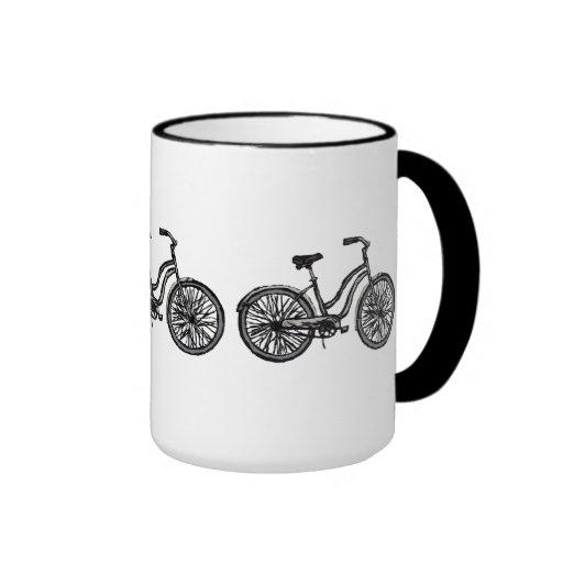 Bicicleta clásica, productos del dibujo lineal taza a dos colores