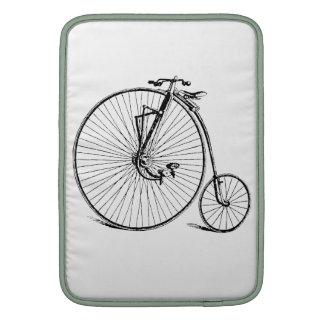 Bicicleta de la antigüedad de la rueda grande del  funda macbook air