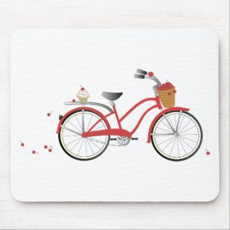Bicicleta de la cereza de Chery Tapetes De Raton