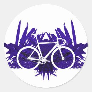 Bicicleta de la pista en violeta pegatinas redondas
