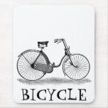 Bicicleta de las señoras del vintage alfombrilla de ratón