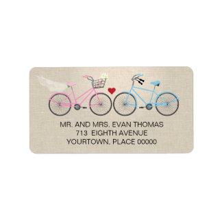 Bicicleta de lino del estilo que casa el remite etiqueta de dirección