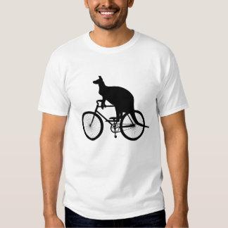 Bicicleta del montar a caballo del canguro polera