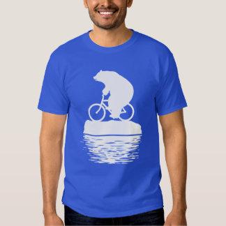 Bicicleta del montar a caballo del oso polar en la polera