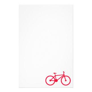 Bicicleta del rojo del escarlata personalized stationery