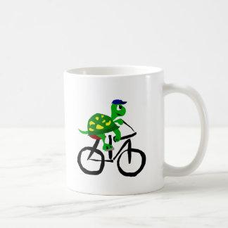 Bicicleta divertida del montar a caballo de la taza de café