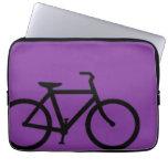 Bicicleta: Negro en púrpura Funda Computadora