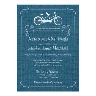 Bicicleta para dos invitaciones azules del boda de anuncio