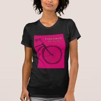Bicicleta pinchada camisetas