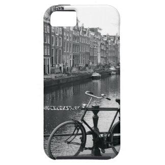 Bicicleta por el canal iPhone 5 carcasas
