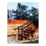 Bicicleta por la estación de tren postal