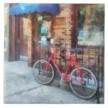 Bicicleta por la oficina de correos azulejo cerámica