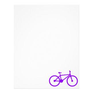 Bicicleta púrpura violeta plantilla de membrete