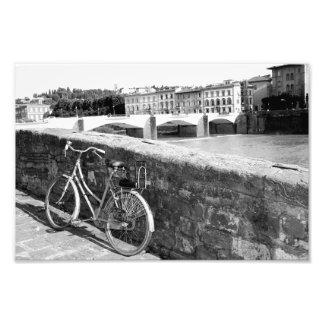 Bicicleta retra en la ciudad de Florencia, Italia Impresión Fotográfica