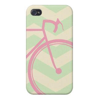 Bicicleta rosada Chevron iPhone 4 Carcasas