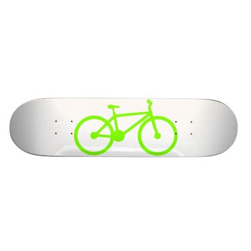 Bicicleta verde chartreuse, de neón monopatín