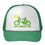 Bicicleta verde gorros