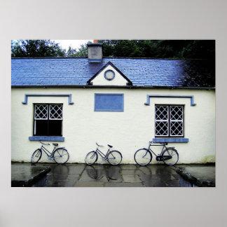 Bicicletas por las ventanas del enrejado, condado  póster