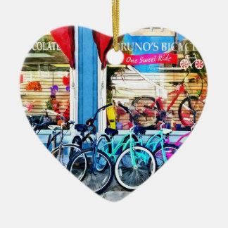 Bicicletas y chocolate ornato