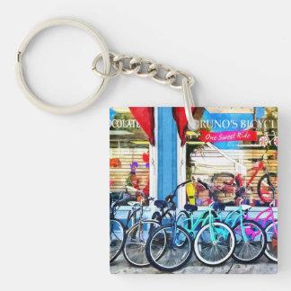 Bicicletas y chocolate llavero cuadrado acrílico a doble cara