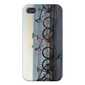 Bicicletas y cuervo iPhone 4/4S funda