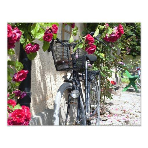 """Bicicletas y rosas en Suecia Invitación 4.25"""" X 5.5"""""""