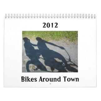 Bicis alrededor del calendario 2012 de la ciudad