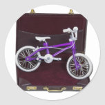 BicycleInBriefcase121611 Pegatina Redonda
